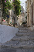 Alleyway. Peschici. Puglia. Italy. — Stock Photo