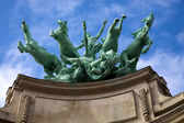 Socha s koňmi v Paříži — Stock fotografie