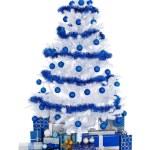 Белое Рождество дерево с голубой отделкой — Стоковое фото