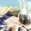 Easter table setting in blue and white — Stockfoto