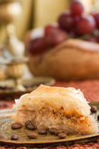 Baklava in oriental setting — Stockfoto