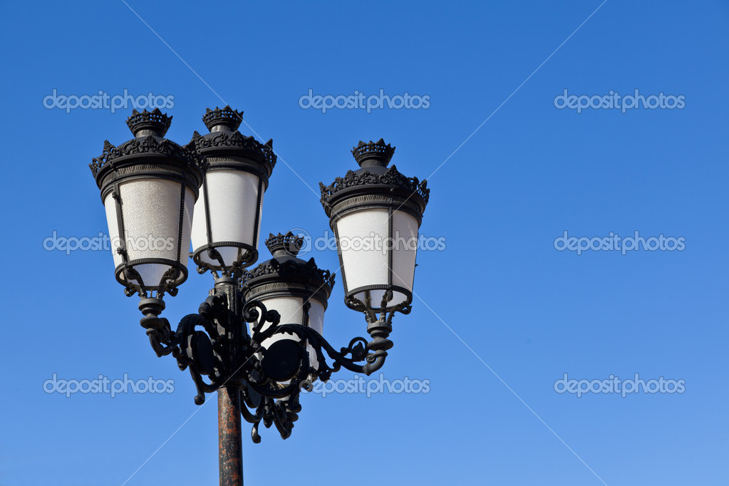 Retro street-lamp — Stockfoto #7534095
