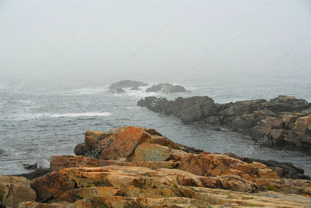 Rocky coast of Atlantic ocean in Maine, USA — Stock Photo #6980336