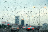 Traffic rainy day — Photo