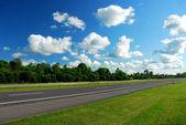 Empty highway — Stock Photo