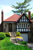 Tudor home — Stock Photo