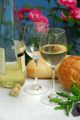 White wine with glasses — Photo