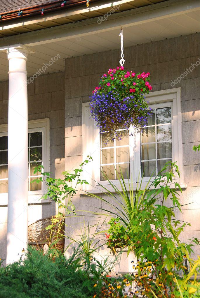 Portico di casa foto stock elenathewise 7085126 for Piani di casa con portico