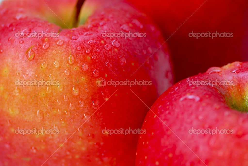 Macro of red apples with water droplets  — Stockfoto #7085151