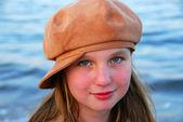 Kız çocuk şapka — Stok fotoğraf