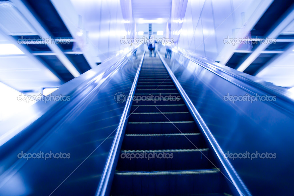 Moving escalator on modern city — Stock Photo #7108997