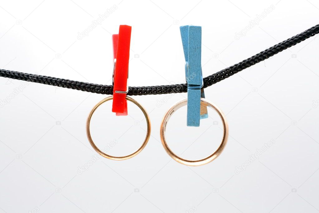Two rings hanging from rope — Stock Photo #7005420