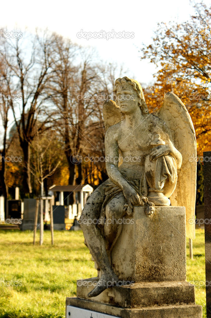 Angel-old tombstone on Central Cemetery in Vienna,Austria.  — Stock Photo #7420488