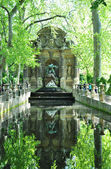 Medicis fountain in Luxembourg garden, paris — Stock Photo