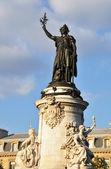 Estátua de Marianne em lugar de la r — Fotografia Stock