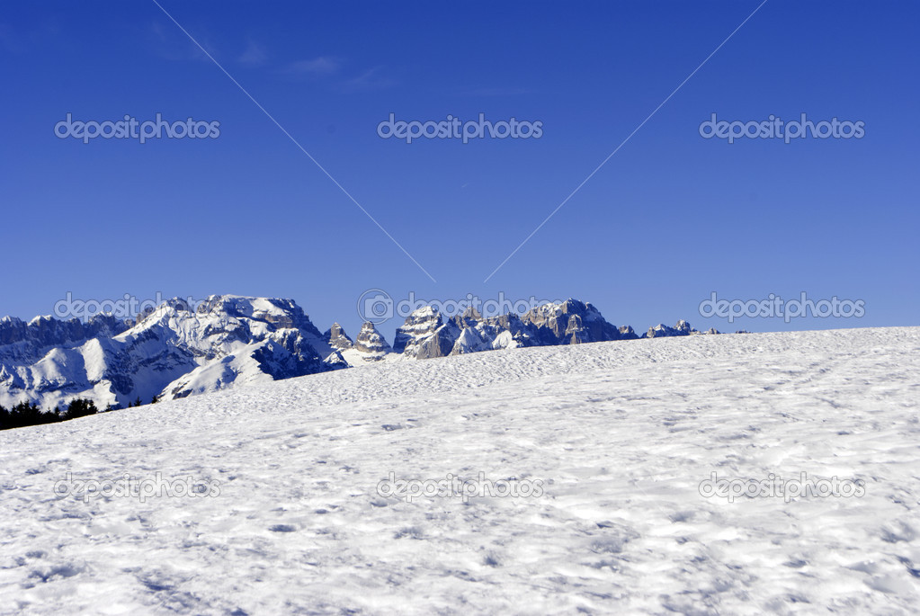 High mountains under snow in the winter in Trentino. Italy — Stock Photo #6920791