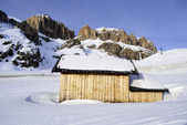 Hut in the mountains — Stock Photo