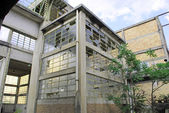 Antiga fábrica abandonada — Fotografia Stock