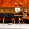 Piano figurine — 图库照片