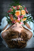 Young beautiful bride — Stock Photo