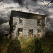 Old abandoned house with flying ghosts — Foto Stock