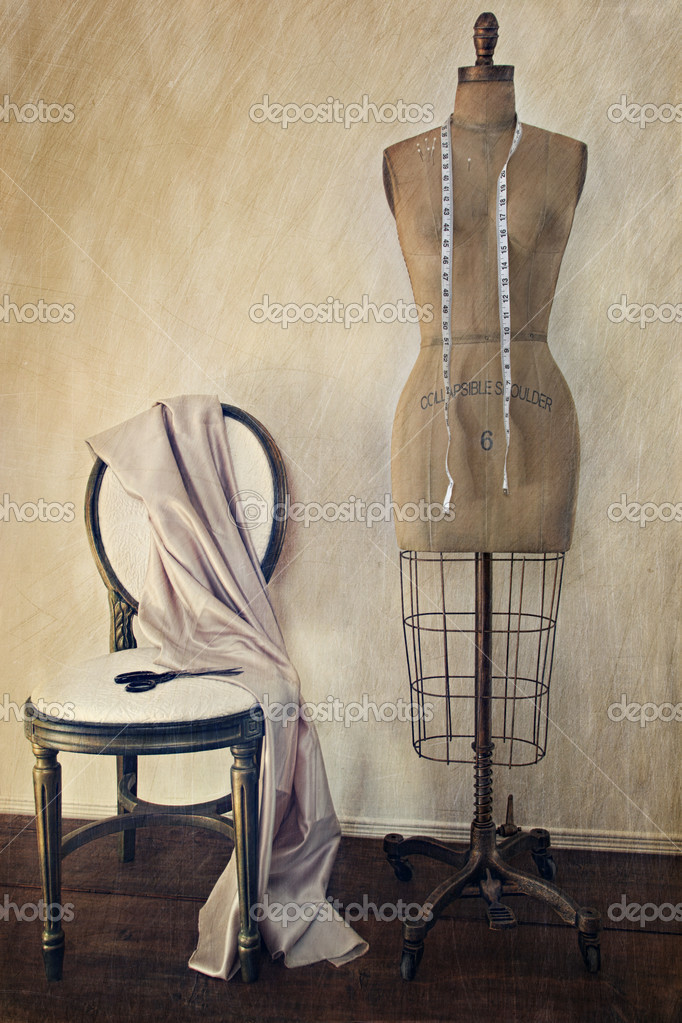 Antique dress form and chair with vintage look  — Stock Photo #7006694
