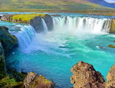 River and Wide waterfall in Iceland — Stok fotoğraf
