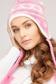 Linda mulher de chapéu de inverno — Fotografia Stock