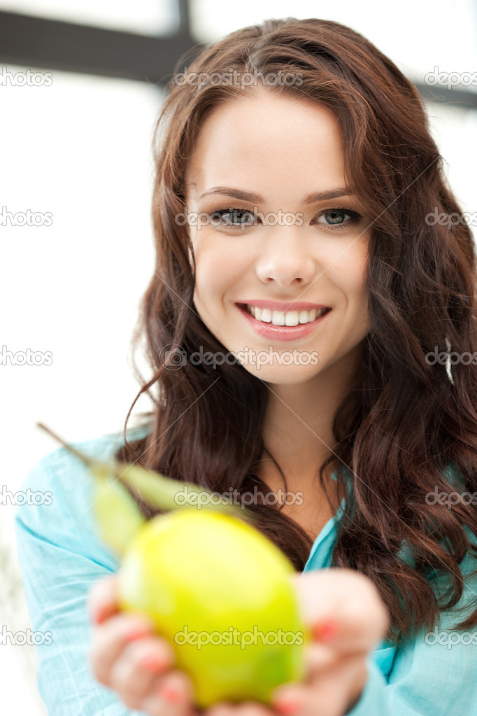 Bright picture of lovely woman with lemon — Stock Photo #6860183