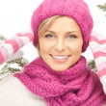 Beautiful woman in winter hat — Stock Photo #7267434
