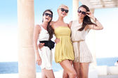 Young beauty friends on vacation day — Stock Photo