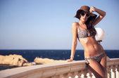 Młoda piękna na wakacje cały dzień — Zdjęcie stockowe