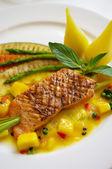 жареный стейк лосося — Стоковое фото