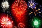 Brillantes fuegos artificiales — Foto de Stock
