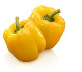 žlutá paprika izolovaných na bílém — Stock fotografie