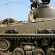 Soldier on modern tank - Stockfoto