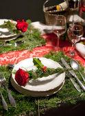 クリスマス テーブルの上の装飾 — ストック写真