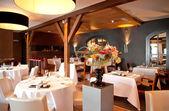 古典风格的餐厅 — 图库照片