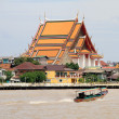 Boat and temple — Stock Photo #7417801