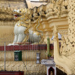Lion and stupa — Stock Photo #7491602