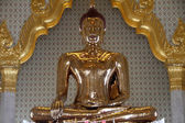 Famous golden Buddha — Stock Photo