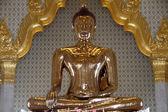 Famous golden Buddha — Stock Photo