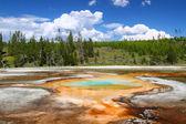 Хроматические бассейн Йеллоустоун — Стоковое фото