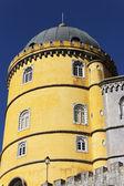 žlutá věž — Stock fotografie
