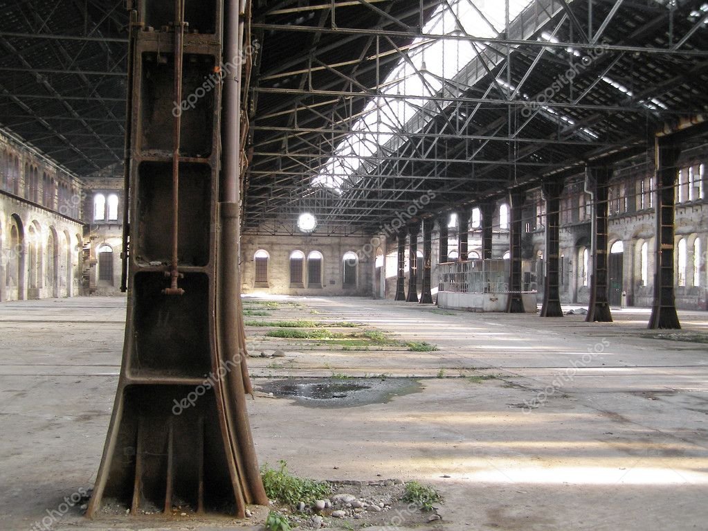 Industrial archeology of abandoned factory — Stock Photo #7280104