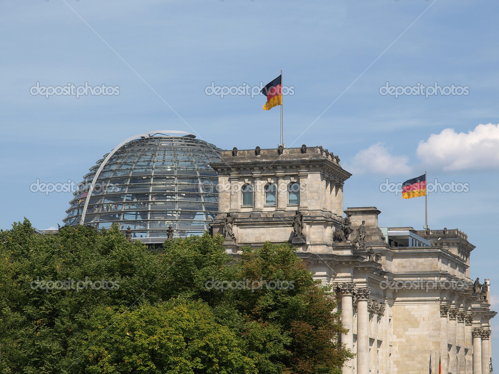 Berlin Reichstag (Houses of Parliament) in Germany — Stock Photo #7538102