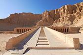 Templo de la reina hatshepsut — Foto de Stock