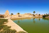 Lago sagrado no templo de karnak, Egito — Fotografia Stock
