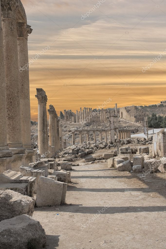 Roman ruines in the city of Jarash in Jordan — Stock Photo #7000088
