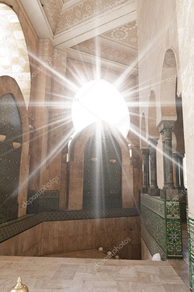 Sunshine through a window in the Hassan II mosque in Casablanca, Morocco — Stock Photo #7195473